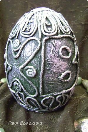 И снова яйца! Мы  со старшей группой моей студии тоже творим пасхальные яйца в пейп-арте. И сегодня я вам покажу некоторые из них. фото 4