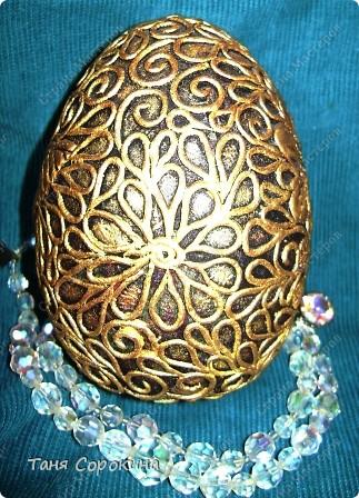 И снова яйца! Я вас , наверное, уже ими утомила... Эти яйца большие деревянные, сделаны мною давно, года три назад. Есть, конечно ещё ляпы, так что простите, если их увидите, я их тогда только придумывала... Как делать пейп-арт, смотрите по этой ссылке http://stranamasterov.ru/node/308701 фото 4