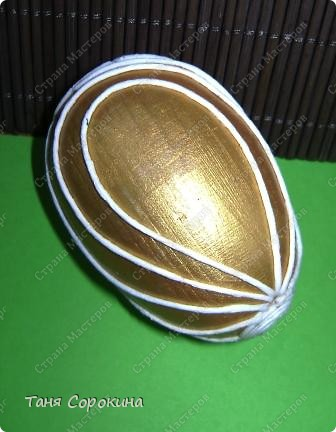 Насмотрелась в Интернете яиц Фаберже и не смогла остановиться на первом. Захотелось сделать его нежным, не таким кричащим, как первое. фото 5