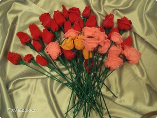 Букет делала на 8 марта для любимой свекрови! Цветы были сделаны заранее... на всякий случай! А собирала я его уже ночью!!!! фото 10