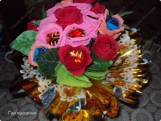 Букет делала на 8 марта для любимой свекрови! Цветы были сделаны заранее... на всякий случай! А собирала я его уже ночью!!!! фото 2