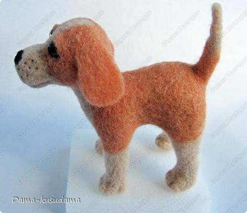 Тузики в очереди за колбасой:-)  Собачка Тузик, папа Барбосика, которого я сделала раньше.Размер игрушки 11,5 см в длину.        фото 4