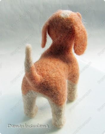 Тузики в очереди за колбасой:-)  Собачка Тузик, папа Барбосика, которого я сделала раньше.Размер игрушки 11,5 см в длину.        фото 3