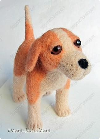Тузики в очереди за колбасой:-)  Собачка Тузик, папа Барбосика, которого я сделала раньше.Размер игрушки 11,5 см в длину.        фото 5