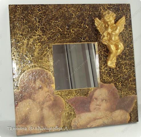 Материалы: Зеркало, салфетка, одношаговый кракелюр, гипсовая фигурка, на ангелочка двухшаговый кракелюр и акрил.  Пробую оформлять фотографии, в ФШ. Печать тоже делала в ФШ, а так же в программе Паинт Нет. фото 5