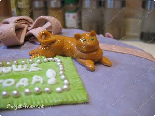 Тортик для доченьки или мой дебют в работе с мастикой фото 4