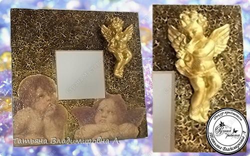 Материалы: Зеркало, салфетка, одношаговый кракелюр, гипсовая фигурка, на ангелочка двухшаговый кракелюр и акрил.  Пробую оформлять фотографии, в ФШ. Печать тоже делала в ФШ, а так же в программе Паинт Нет. фото 1