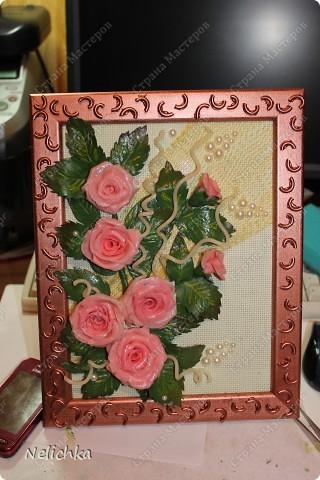 Подарок тете на юбилей. Цветы из холодного фарфора, рамка украшена макаронами. фото 1