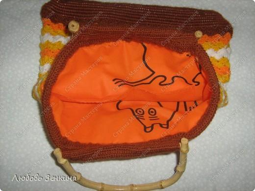 вот такая сумочка у меня получилась,  бисер выбирала специально под цвет ниток, не очень хотела чтоб в глаза бросался. Посмотрела другие работы и поняла что можно было и другие использовать. фото 6