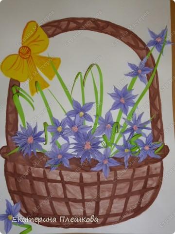 Такую вазу с цветами мы в классе делали нашим мамам. Цветы и листочки выполнены в технике торцевание. фото 4