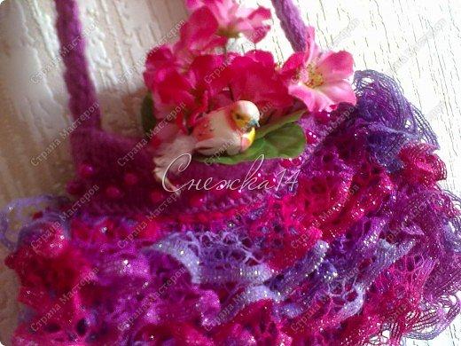 Приветствую всех гостей моего блога ))  Вдохновившись новой темой Презента от Голубки связала для любимой крестницы эту сумочку. Участвую в конкурсе фотографий. фото 15