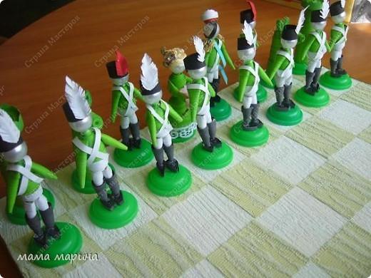 Хочу поздравить всех с праздником ВЕЛИКОЙ ПОБЕДЫ  С детками на конкурс делали вот такие шахматы трудной была работа , но мы справились. Заняли 3 место  фото 1
