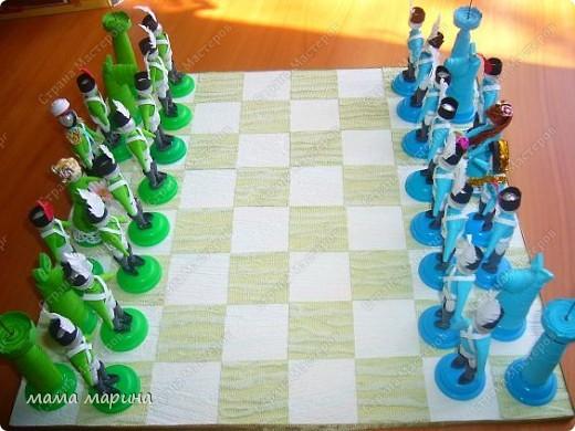 Хочу поздравить всех с праздником ВЕЛИКОЙ ПОБЕДЫ  С детками на конкурс делали вот такие шахматы трудной была работа , но мы справились. Заняли 3 место  фото 2