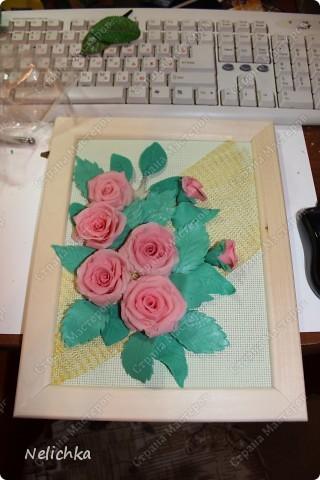 Подарок тете на юбилей. Цветы из холодного фарфора, рамка украшена макаронами. фото 2