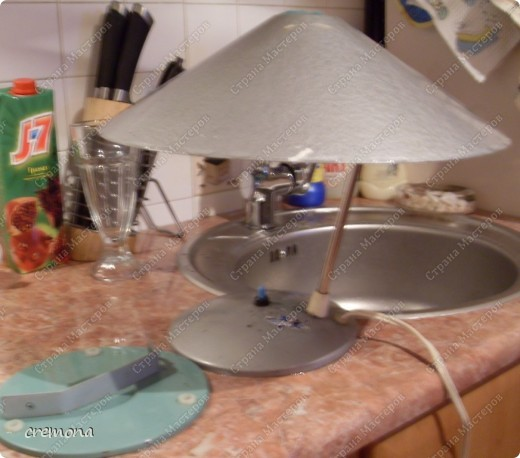 """Эта лампа моего детства. Ей уже лет 45(раритет прошлого столетия, как и я :)))) ) С ней """"выросла"""" я и мои детки! Теперь она на заслуженном отдыхе, на даче... фото 2"""