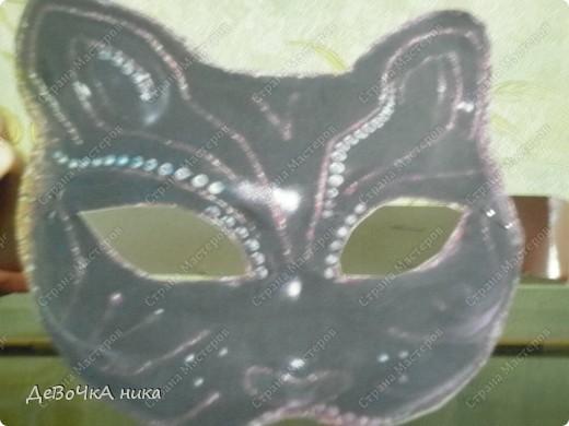на Новый Год, на представление меня подруга попросила, что б я ей сделала 2 маски котов... вот 1 фото 1