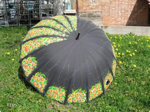 Зонтик расписала акриловыми красками по ткани еще зимой фото 3