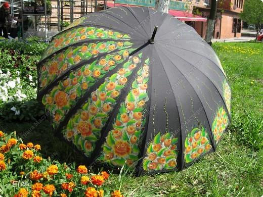 Зонтик расписала акриловыми красками по ткани еще зимой фото 2