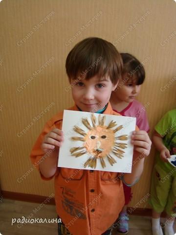 Вот такую работу сделали мы с ребятами к дню защиты детей. Ведь дети так любят лето и работа наша вся яркая, солнечная и позитивная. фото 2