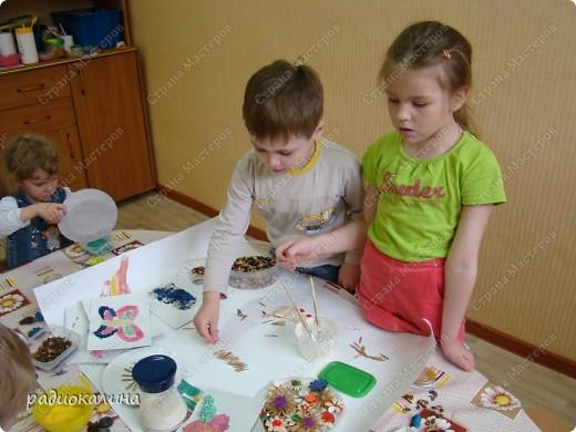 Вот такую работу сделали мы с ребятами к дню защиты детей. Ведь дети так любят лето и работа наша вся яркая, солнечная и позитивная. фото 4