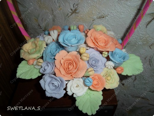 Весенние корзинки с цветочками из холодного фарфора. фото 3
