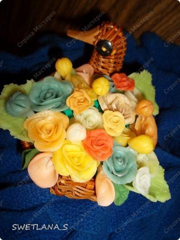 Весенние корзинки с цветочками из холодного фарфора. фото 5