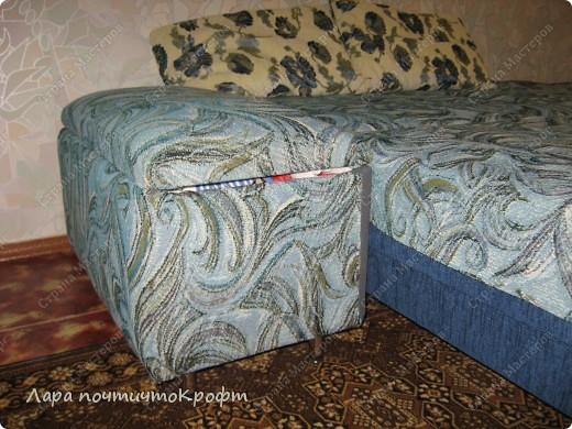 Очень захотелось сделать эдакий придиванный пуф-ящик, тем более что был новый отрез гобелена (остаток от покрывала на этот же диван). размер Ш 72 * Г 40 * В 46. на крышку проложен поролон толщиной 5 см. мягенько так посидеть) фото 2