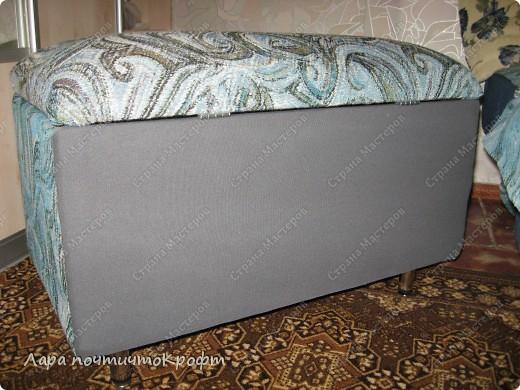Очень захотелось сделать эдакий придиванный пуф-ящик, тем более что был новый отрез гобелена (остаток от покрывала на этот же диван). размер Ш 72 * Г 40 * В 46. на крышку проложен поролон толщиной 5 см. мягенько так посидеть) фото 5