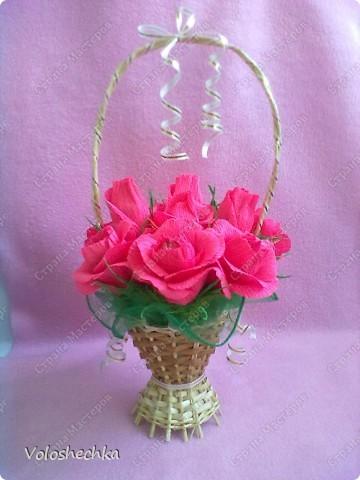 Привет всем моим гостям) Перед вами корзинка сладких роз, которую сделала в подарок для нашей соседки.... фото 1