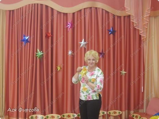 Моя бабушка Оля - музыкальный руководитель в детском саду. Она постоянно придумывает разные номера, и мастерит реквизит! фото 3