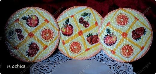 Это моя новая работа в технике декупаж, с использованием таких материалов, как CD-диск и яичная скорлупа.  фото 3