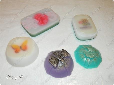 Базовый состав всех мыл одинаковый - основа (белая или прозрачная), масло манго, пальмовое масло фото 1