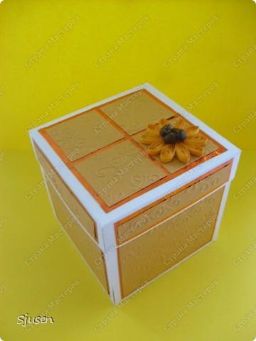 Ещё одна коробочка с сюрпризом, на этот раз для дочкиной подружки)) И снова благодарю мастериц сайта за вдохновение и Марину Абрамову http://marina-abramova.blogspot.com/ за образцы надписей! фото 1
