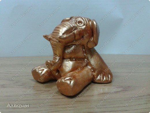 Это слон. И он сидит на попе ровно )))  фото 2