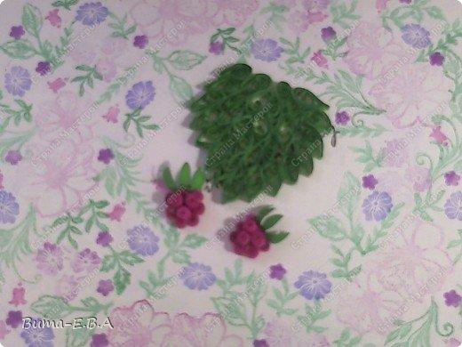 Моя Маша решилась на картину... и приступила к деталям. Поняла что это ооочень тяжело, ведь надо накрутить так много деталек, и выбрала очень миниатюрную работу, её детали очень малы, маленькие розовые накруточки размером со спичечную головку.... Пока картина в процессе, Маша захотела показать детальки, которые будут в картине. фото 6