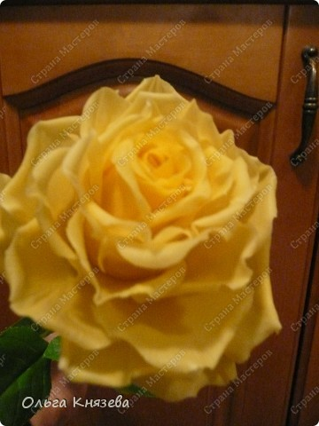 Насмотревшись роз-красавиц наших мастериц, захотела тоже сделать розу! Получилась вот такая красотка) фото 5