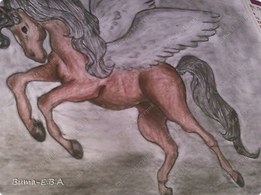 Вчера я уже рассказывала, что Маша обожает лошадей, и неравнодушна к сказочным созданиям... Вчера Маше очень понравился её нарисованный конь, и то как у неё он вышел... и она загорелась желанием продолжить  рисовать своих любимцев. Сегодня утром, она уже была на готове...  нашла подходящий рисунок, и начала его срисовывать.  Я думала она сегодня нарисует такой же рисунок, простым карандашом, но она решила  его сегодня нарисовать разноцветным. Вот какого коня она сегодня призентовала!!! фото 5