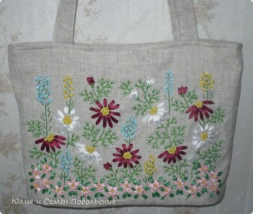 Вот моя льняная сумочка, вышитая лентами и мулине! фото 4