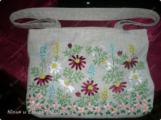 Вот моя льняная сумочка, вышитая лентами и мулине! фото 2