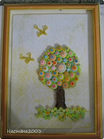 Понравились деревья Мастериц: Дерево любви http://stranamasterov.ru/node/344014?tid=587, Дерево радости http://stranamasterov.ru/node/139858, Упаковка денежного подарка и бонбонерки к юбилею http://stranamasterov.ru/node/305557 и решила, что тоже хочу сделать дерево, но не простое -  Сказочное. Рамку мама еще не углубляла, пока только примерка. Не судите строго, я только учусь. фото 8