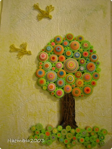 Понравились деревья Мастериц: Дерево любви http://stranamasterov.ru/node/344014?tid=587, Дерево радости http://stranamasterov.ru/node/139858, Упаковка денежного подарка и бонбонерки к юбилею http://stranamasterov.ru/node/305557 и решила, что тоже хочу сделать дерево, но не простое -  Сказочное. Рамку мама еще не углубляла, пока только примерка. Не судите строго, я только учусь. фото 2