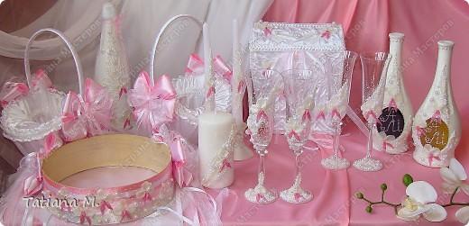 В набор входят-бокалы молодоженам и свидетелям, вино красное и белое, ...  для аукциона, свечи, свеча-очаг, сито, сундук-казна, корзинки для лепестков роз. фото 1