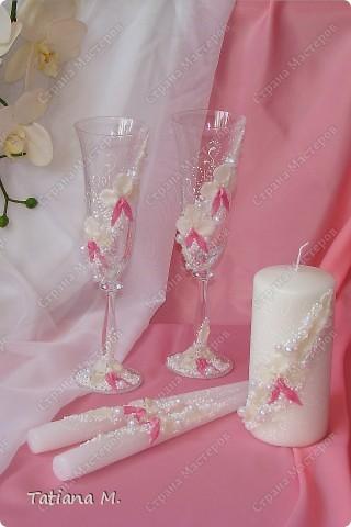 В набор входят-бокалы молодоженам и свидетелям, вино красное и белое, ...  для аукциона, свечи, свеча-очаг, сито, сундук-казна, корзинки для лепестков роз. фото 8