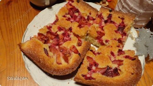 Вот мой любимый пирог! Тесто на основе йогурта (кефир) Получился очень воздушным и вкусным!) фото 3