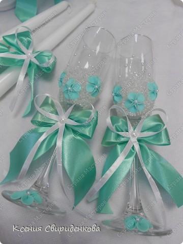 Недавно выполняла необычный заказ. Невеста пожелала набор в мятном цвете. Выношу на ваш суд то, что получилось. фото 4