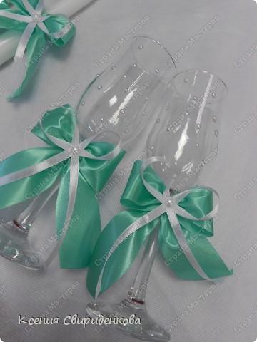 Недавно выполняла необычный заказ. Невеста пожелала набор в мятном цвете. Выношу на ваш суд то, что получилось. фото 7