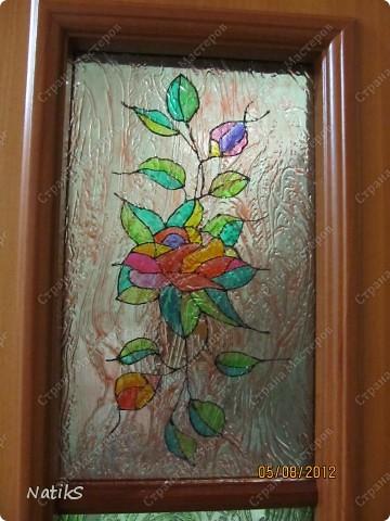 Вот примерно так, я решила дополнить дверь со стеклянными вставками. Роспись витражными красками. фото 1