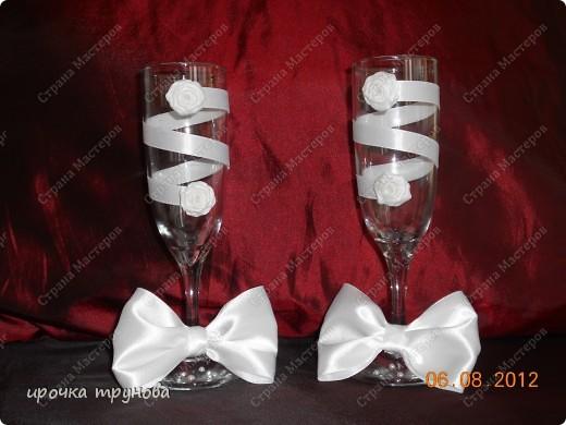 решила я занятся свадебными аксесуарами, это мои первые бокальчики!!! как вам??  фото 1