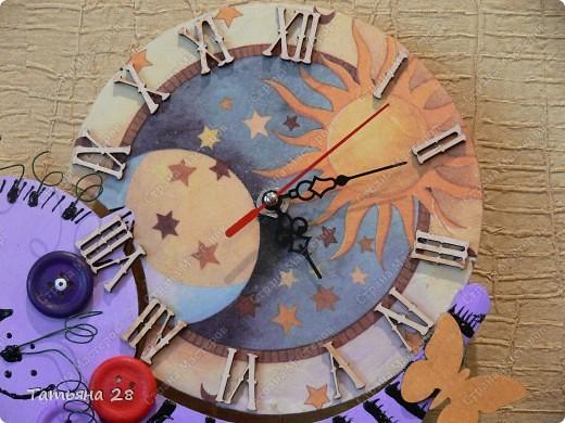 Никогда в своей жизни ни делала часы))) Можно сказать, что был Дебют))) Часы будут висеть в детской комнате. Завтра отдавать, а сегодня хочу показать Вам!!!  фото 4
