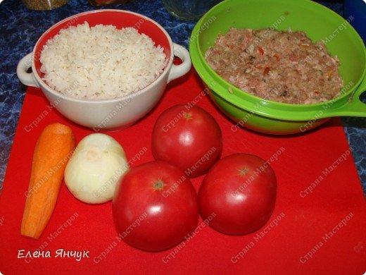 Пока варится рис подготавливаем капусту. Я это делаю в микроволновке - очень легко отделяются. фото 3